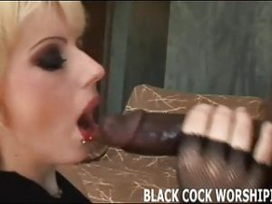 I need to satisfy my big black cock addiction