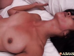 Asian Sex Diary – Big cock cums inside sexy Asian babe