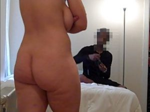 REAL amateur curvy PAWG posing for private photo shoot
