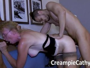 Extreme Creampie for Milf